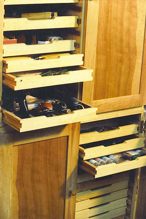 birch-tool-cabinet-detail
