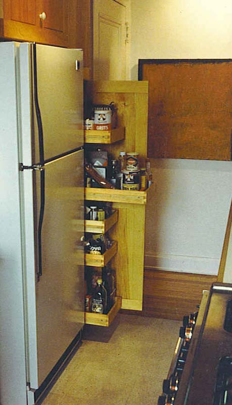pine-kitchen-pantry
